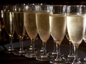 la-degustazione-dello-champagne_O2